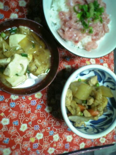 鉄火丼&筑前煮&赤だしの味噌汁